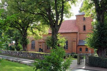 friedhof-krusendorf-kirche-krusendorf