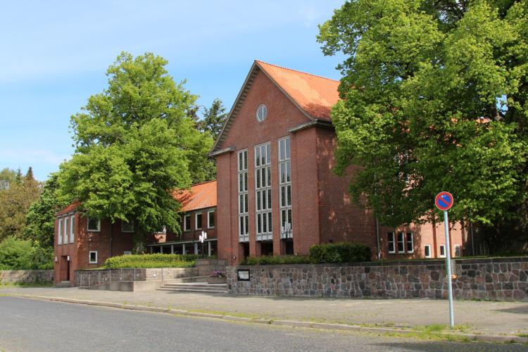 Krematorium Kiel, große Feierhalle, kleine Feierhalle Aufbahrungsräume