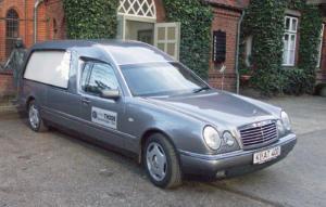 Mercedes 280 Bestattungswagen Bestattungskraftwagen Leichenwagen