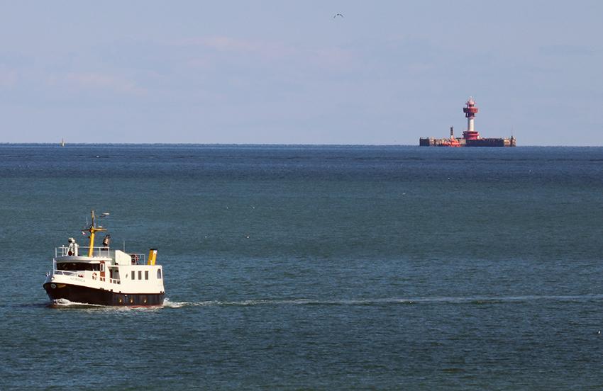 Seebestattung ab Kiel Strande in der Kieler Förde Ostsee, mit der Reederei Ludwig M/S NORDICA